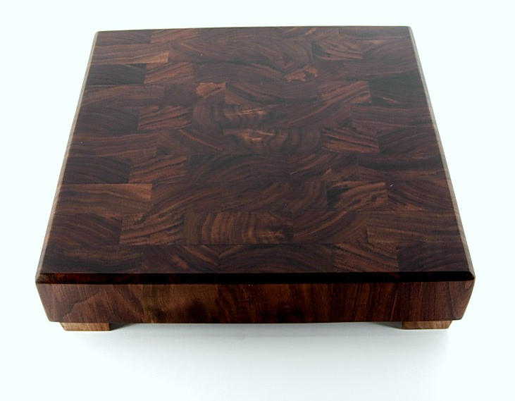 walnut cutting boards,